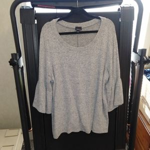 Soft Gray Sweater. Torrid. Bell Sleeve. 3x.
